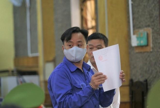 Bị cáo vụ gian lận điểm thi ở Sơn La kêu oan về chuyện đưa hối lộ ảnh 2