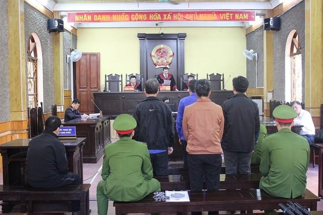 Bác kháng cáo, giữ nguyên hình phạt tù vụ gian lận điểm thi ở Sơn La ảnh 1