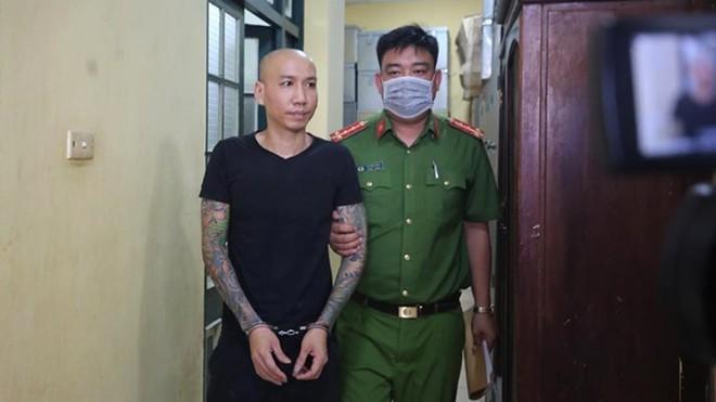 """""""Giang hồ mạng"""" Phú Lê đã được phóng thích, không phải hầu tòa vì bị hại… rút đơn ảnh 1"""