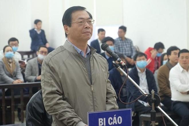 Lại hoãn phiên xử cựu Bộ trưởng Vũ Huy Hoàng vì một số người liên quan ảnh 2
