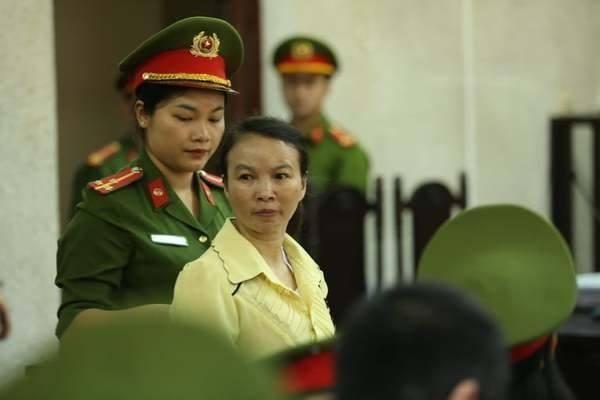Mẹ nữ sinh bị sát hại khi giao gà ở Điện Biên sắp hầu tòa ảnh 1