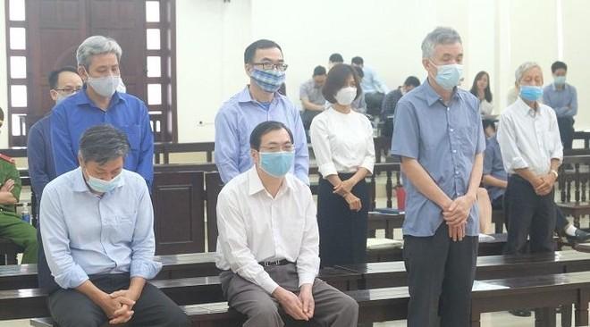Cựu Bộ trưởng Vũ Huy Hoàng nhận án 11 năm tù khi vắng mặt tại phiên tòa chiều nay ảnh 1