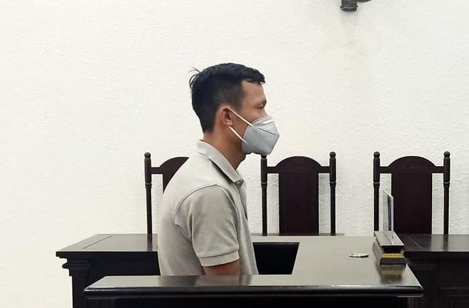 Đối tượng lừa bán ki ốt treo biển hoạt động của Công an phường lĩnh 7 năm tù ảnh 1