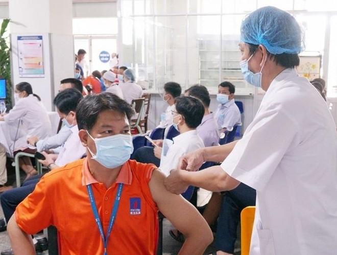 Petrovietnam: Khi vắc-xin là ưu tiên số 1 ảnh 1
