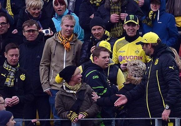 Khoảnh khắc khóc - cười của bóng đá thế giới tuần qua ảnh 5