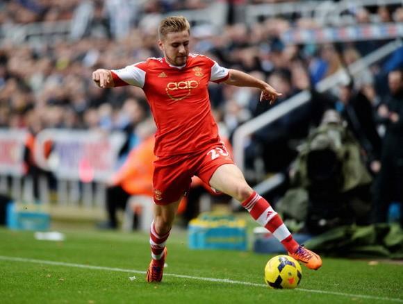 Man City ra giá 30 triệu bảng cho Luke Shaw ảnh 1