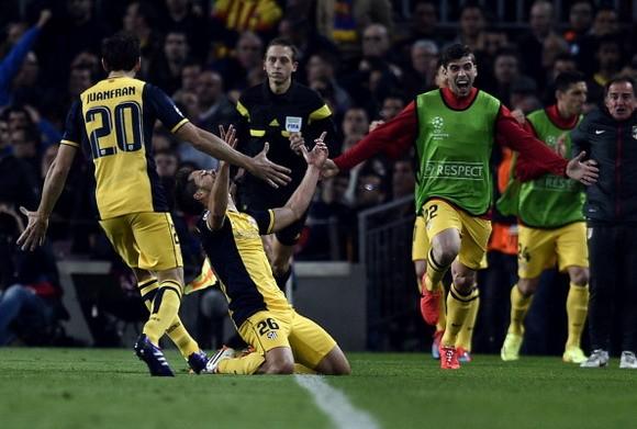 """Barcelona 1-1 Atletico Madrid: Tấn công """"điên cuồng"""", nhưng... hút chết! ảnh 2"""