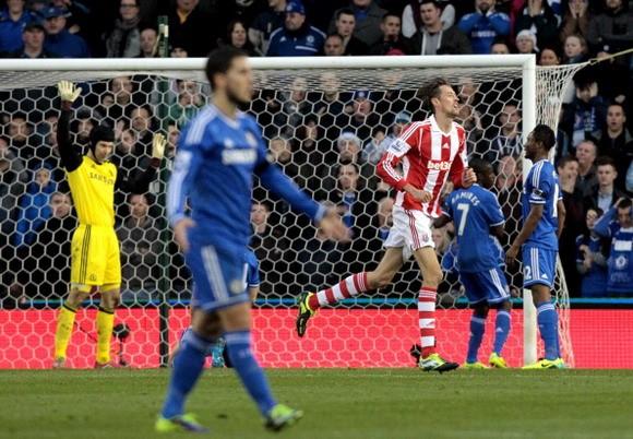 Chelsea - Stoke City: Chiến thắng để quên đi nỗi đau ảnh 2