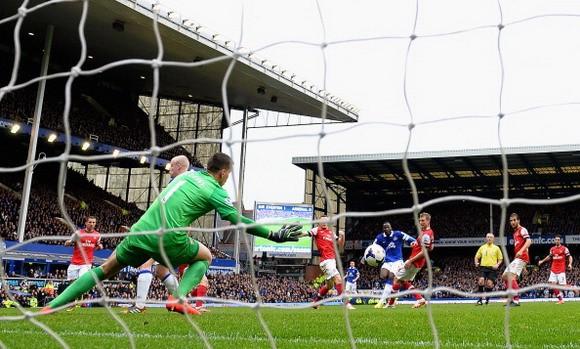 Đánh bại Arsenal, Everton tự tin với cơ hội dự Champions League ảnh 1