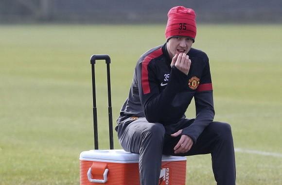 Man Utd chuẩn bị đón Evans trở lại ảnh 1