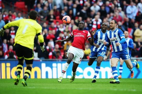Wigan 1-1 Arsenal (penalty 2-4): Fabianski đưa Pháo Thủ vào chung kết ảnh 1