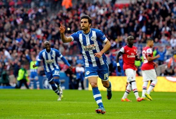 Wigan 1-1 Arsenal (penalty 2-4): Fabianski đưa Pháo Thủ vào chung kết ảnh 2