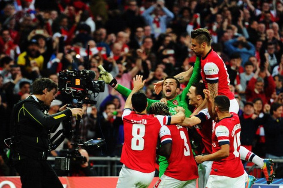 Wigan 1-1 Arsenal (penalty 2-4): Fabianski đưa Pháo Thủ vào chung kết ảnh 4