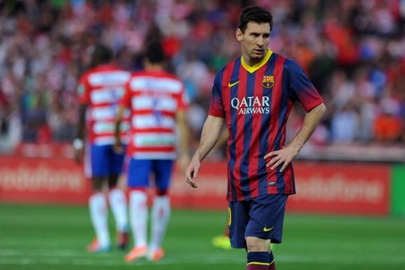 Mascherano: La Liga đã nằm ngoài tầm tay của Barca ảnh 1