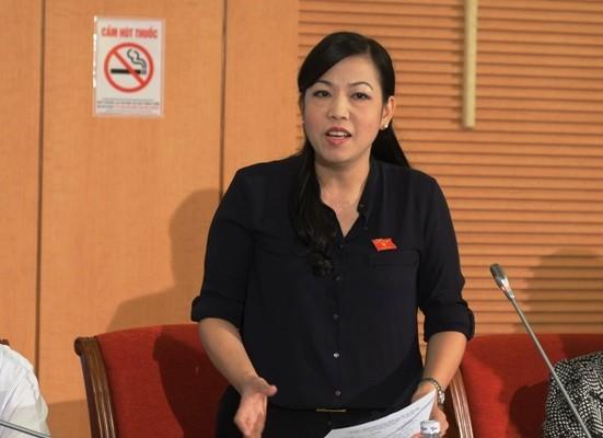 Đại biểu quốc hội chất vấn về tình huống bất lợi khi tổ chức thi quốc gia ảnh 1