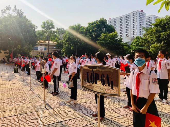 23 triệu học sinh cả nước đeo khẩu trang đến trường khai giảng năm học mới ảnh 1