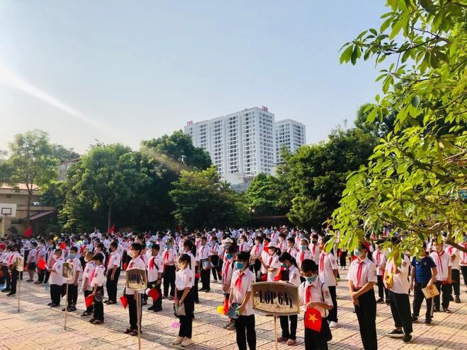 Hơn 2 triệu học sinh Thủ đô bước vào năm học mới: Nỗ lực giảm trái tuyến, chống lạm thu ảnh 1