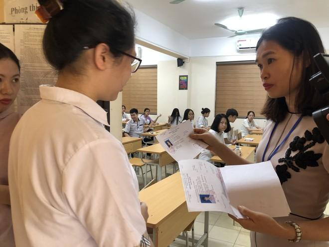 Hạn cuối công bố đề thi tham khảo tốt nghiệp THPT, Bộ GD-ĐT mới đưa 7 trong 9 môn thi ảnh 1