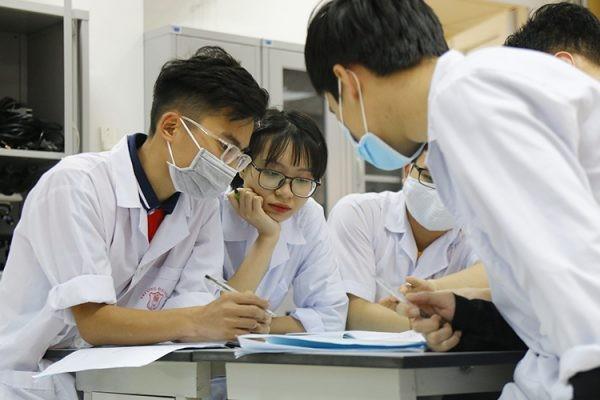 Sinh viên ĐH Y Hà Nội sẵn sàng lên đường chăm sóc sức khỏe nhân dân sau mưa lũ ảnh 1