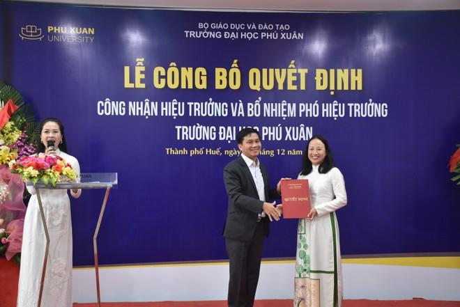 Thêm một nữ hiệu trưởng trường Đại học trong nước được bổ nhiệm ảnh 1