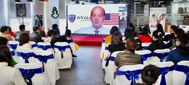 Học sinh Việt Nam tham gia chương trình phổ thông Mỹ qua lớp học tương tác online ảnh 1