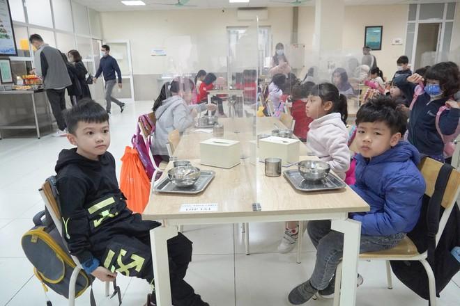 Hơn 2 triệu học sinh Hà Nội trở lại trường với yêu cầu cao về phòng chống dịch ảnh 3