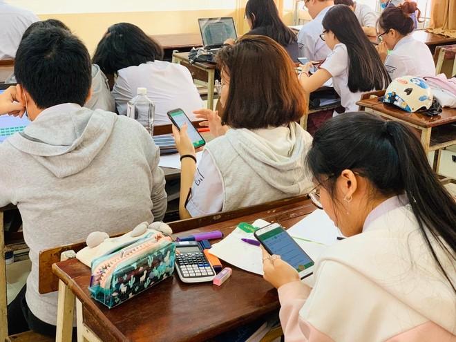 Sau công bố môn thi thứ tư vào lớp 10, Hà Nội nở rộ lớp học Lịch sử cấp tốc ảnh 1
