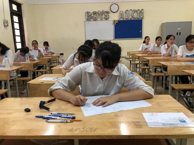 Tuyển sinh lớp 10 Hà Nội: Sẽ lùi lịch nếu Bộ GD-ĐT lùi thi tốt nghiệp THPT ảnh 1