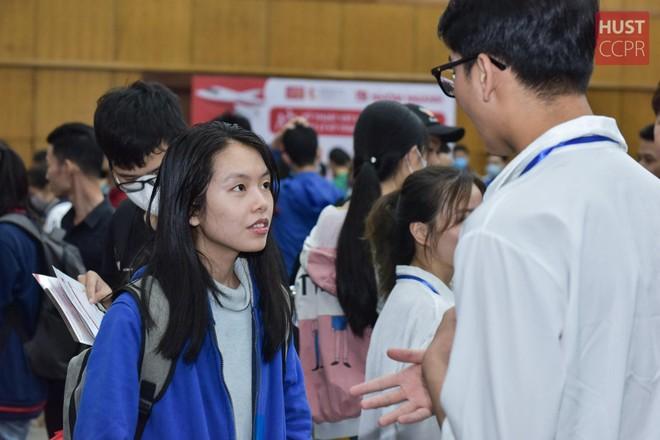 Cung cấp nhiều kênh hỗ trợ thông tin thi tốt nghiệp THPT và xét tuyển đại học ảnh 1