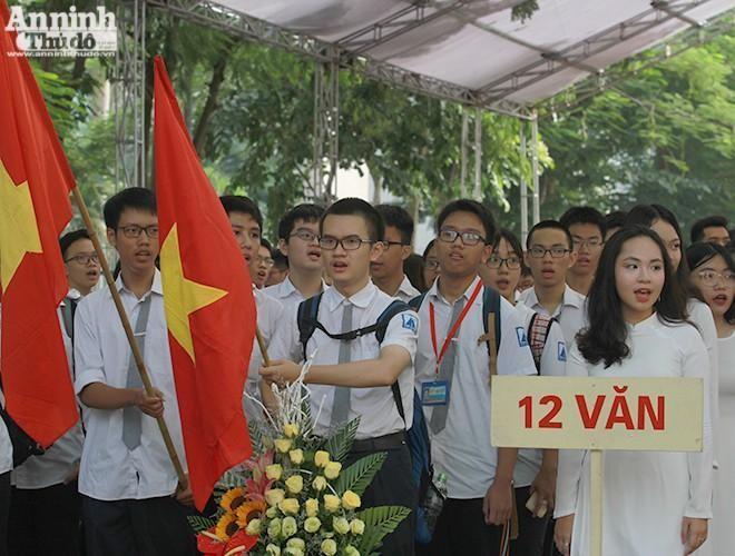 Hà Nội: Học sinh lớp 9 và 12 không ra khỏi thành phố trước khi thi ảnh 1