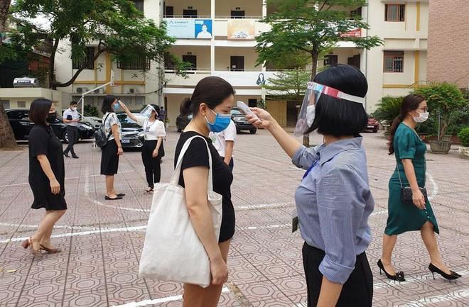 Trường THCS Hà Nội đồng loạt thông báo cho học sinh lớp 9 học quy chế thi trực tuyến ảnh 1