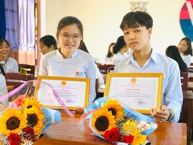 Một triệu thí sinh thi tốt nghiệp THPT, chỉ có 3 em được 10 điểm tuyệt đối môn Ngữ văn ảnh 1
