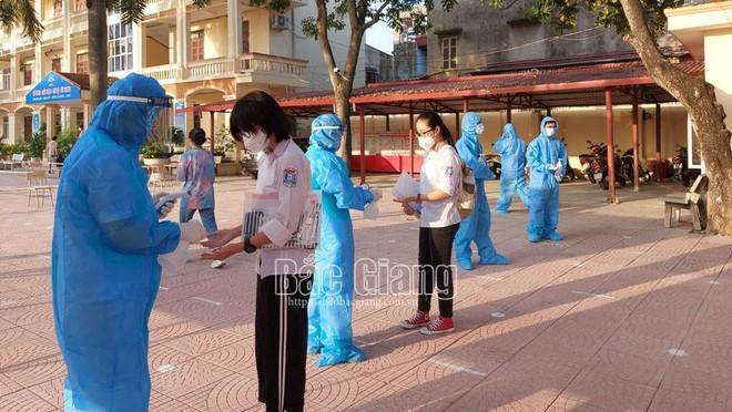 18 nghìn thí sinh Bắc Giang bước vào kỳ thi lớp 10 được thắt chặt phòng chống Covid-19 ảnh 2