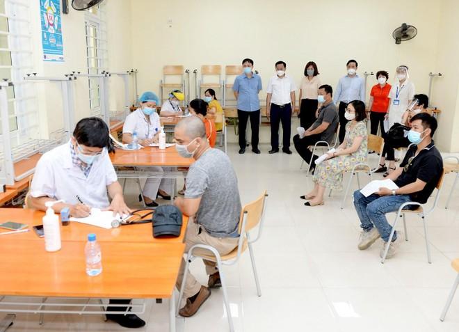 Triển khai chiến dịch tiêm chủng vaccine phòng Covid-19 tại ĐH Kinh tế quốc dân ảnh 1