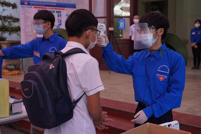 Nhiều tỉnh, thành phố cấp tốc hủy thi tốt nghiệp THPT đợt 2 ảnh 1