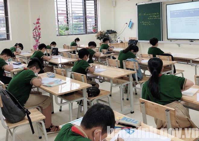 Nơi bắt đầu cho học sinh đi học, nơi cho nghỉ vì xuất hiện F0 là học sinh, giáo viên ảnh 1