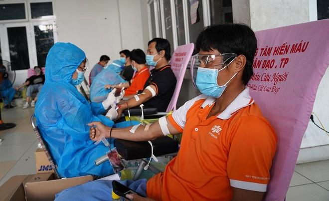 Trao hơn 1.600 đơn vị máu cứu người tại tâm dịch TP.HCM ảnh 1