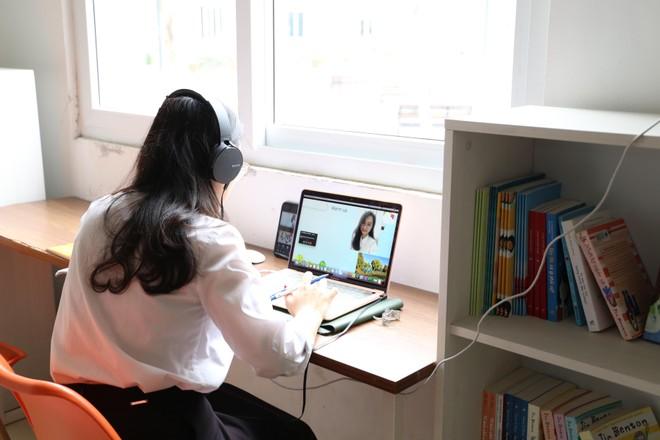 Trường phổ thông công lập được cung cấp miễn phí nền tảng tổng thể trong dạy, học trực tuyến ảnh 1