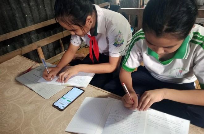 Giảm số địa phương dạy học trực tiếp, tăng dạy học trực tuyến ảnh 1