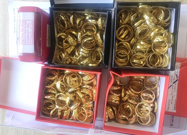 Các đối tượng bán vàng giả đã lừa đảo 18.000 nạn nhân như thế nào? ảnh 3