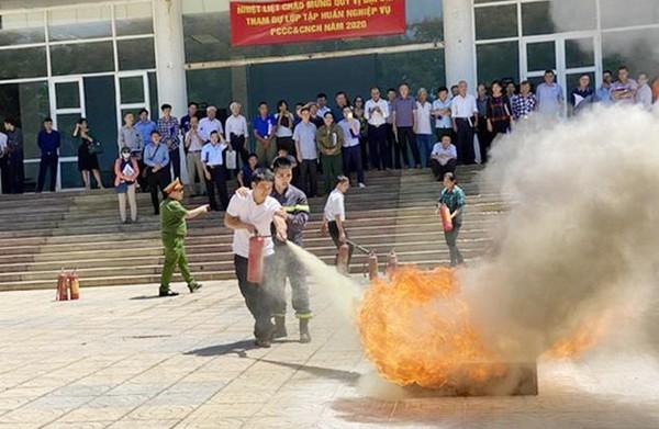 Cảnh giác chiêu trò mạo danh Cảnh sát phòng cháy chữa cháy để trục lợi ảnh 1