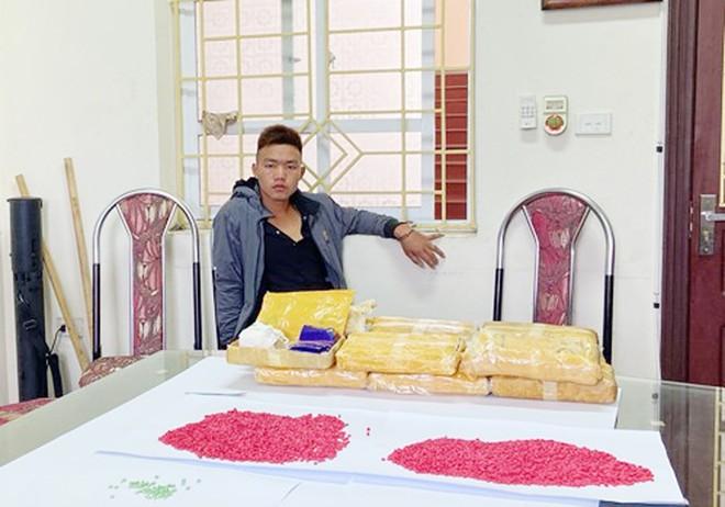 Mang lệnh truy nã vẫn vận chuyển 72.000 viên ma túy tổng hợp liên tỉnh ảnh 1