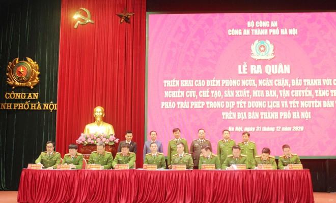 Công an Hà Nội xuất quân triển khai cấp căn cước công dân lưu động ảnh 4