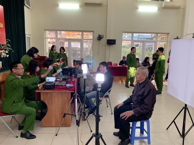 """Công an Hà Nội sẵn sàng bước vào """"chiến dịch"""" cấp căn cước công dân gắn chíp lưu động ảnh 2"""