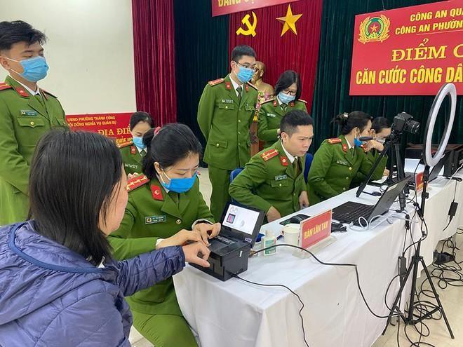 """Công an Hà Nội sẵn sàng bước vào """"chiến dịch"""" cấp căn cước công dân gắn chíp lưu động ảnh 1"""