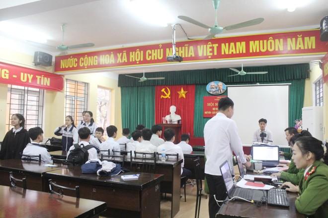 Hàng nghìn học sinh được cấp Căn cước công dân tại trường học ảnh 3