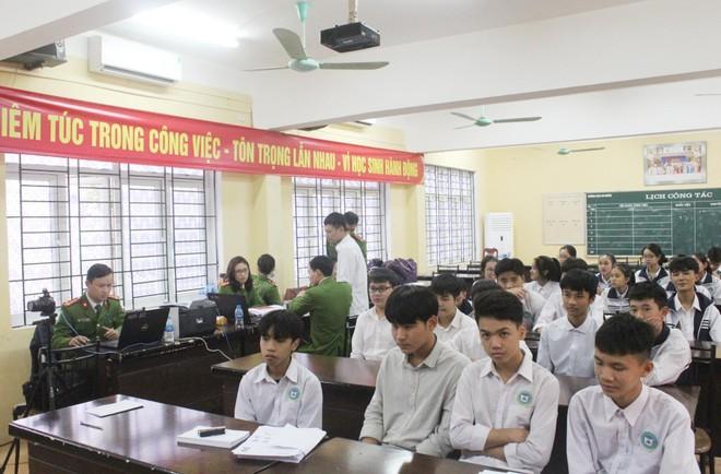 Hàng nghìn học sinh được cấp Căn cước công dân tại trường học ảnh 2