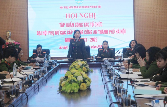 Tập huấn công tác tổ chức Đại hội phụ nữ trong Công an thành phố ảnh 1