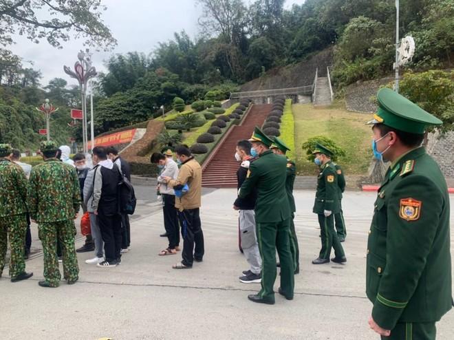 Công an Hà Nội trao trả gần 70 công dân Trung Quốc vi phạm nhập cảnh trái phép ảnh 2