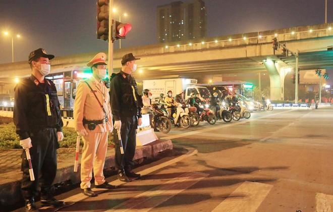Cảnh sát cơ động Hà Nội huy động tối đa lực lượng bảo vệ Đại hội Đảng ảnh 2